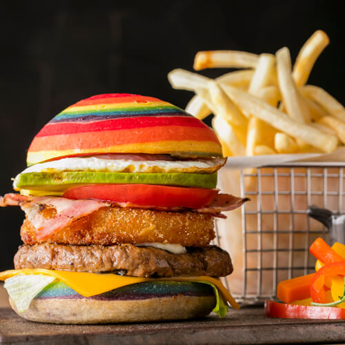 グリロジー バー&グリル【ヒルトン東京お台場】のインスタ映えカラフルなハンバーガー画像