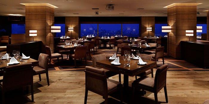 レストラン グリルテーブル ウィズスカイバー 【神戸ハーバーランドホテル クラウンパレス神戸】の内観画像