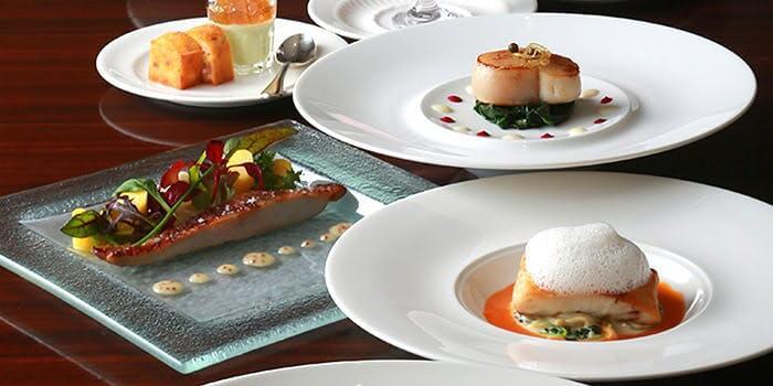 セレニティ【ホテルメトロポリタン仙台】のインスタ映えコースランチの画像