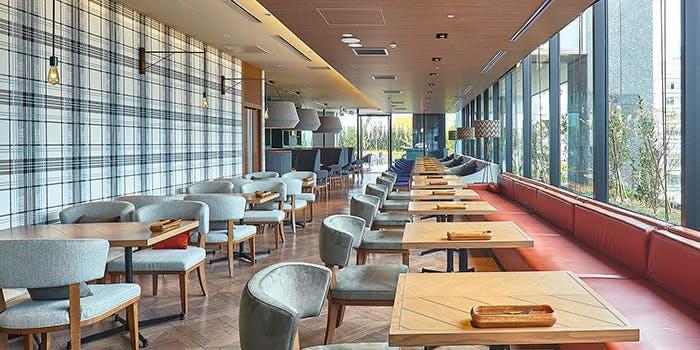 フォレストキッチン ウィズ アウトドア リビング 【ホテルメトロポリタン仙台】の内観画像