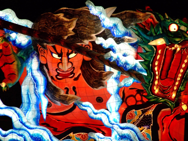 東北を代表するねぶた祭りの画像