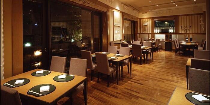 幕張にある日本料理 おりじん【ホテル ザ・マンハッタン】のインスタ映え内観