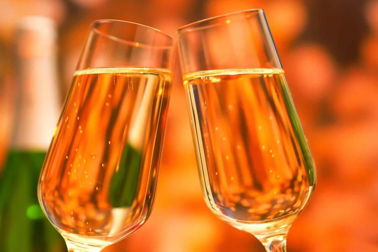 シニアソムリエ厳選Amazonで買えるおすすめ甘口スパークリングワインのメインビビュアルの画像