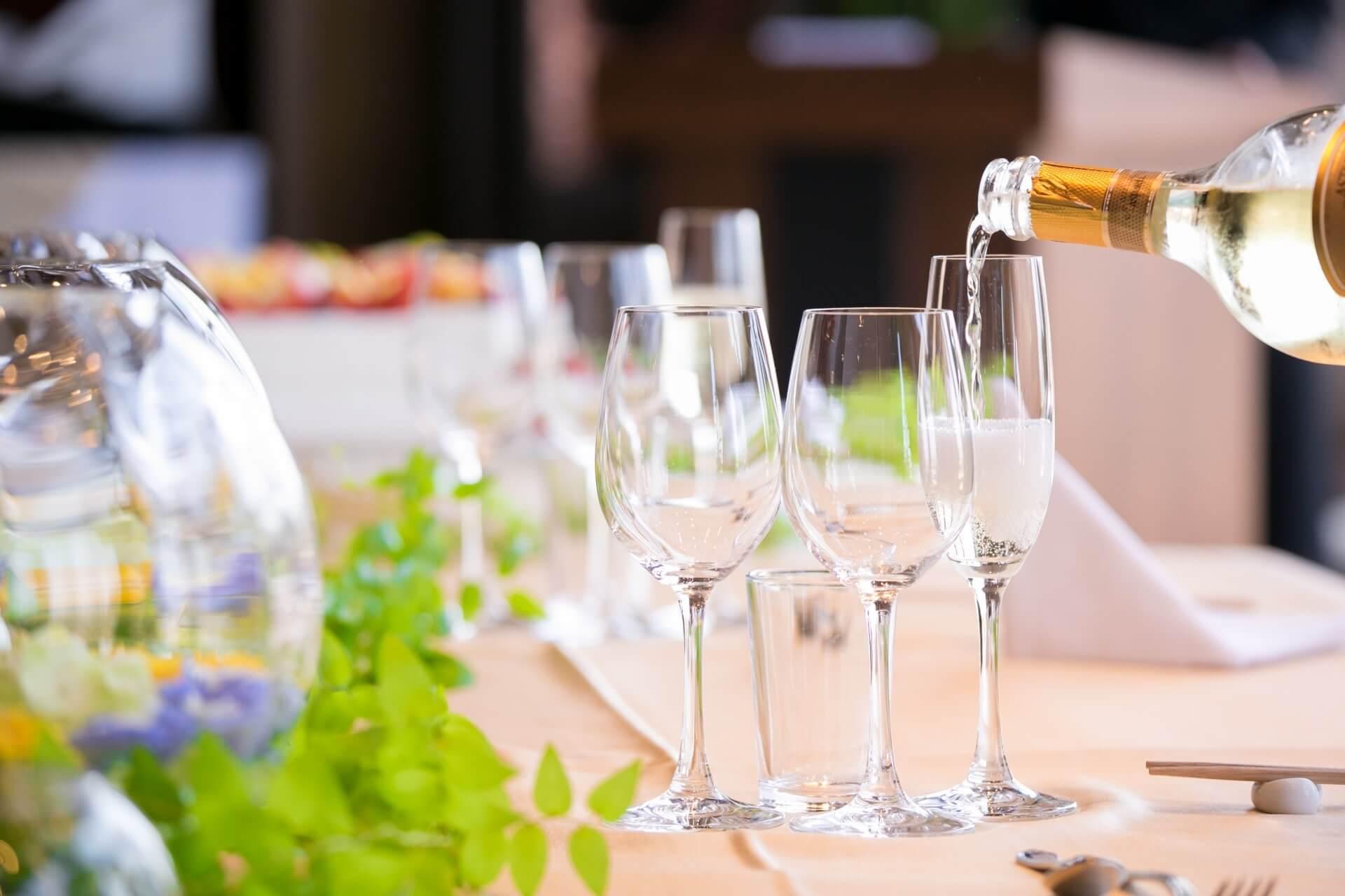 ワイン特集のメインビジュアル画像